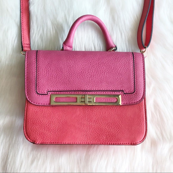 Gianni Bini Handbags - Gianni Bini • Pink Crossbody
